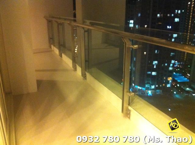 Estella penthouse balcony
